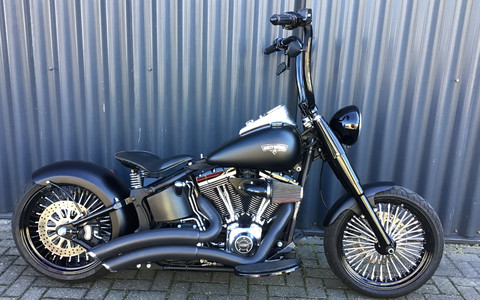 FATBOY LOW BLACK BOBBER 2012